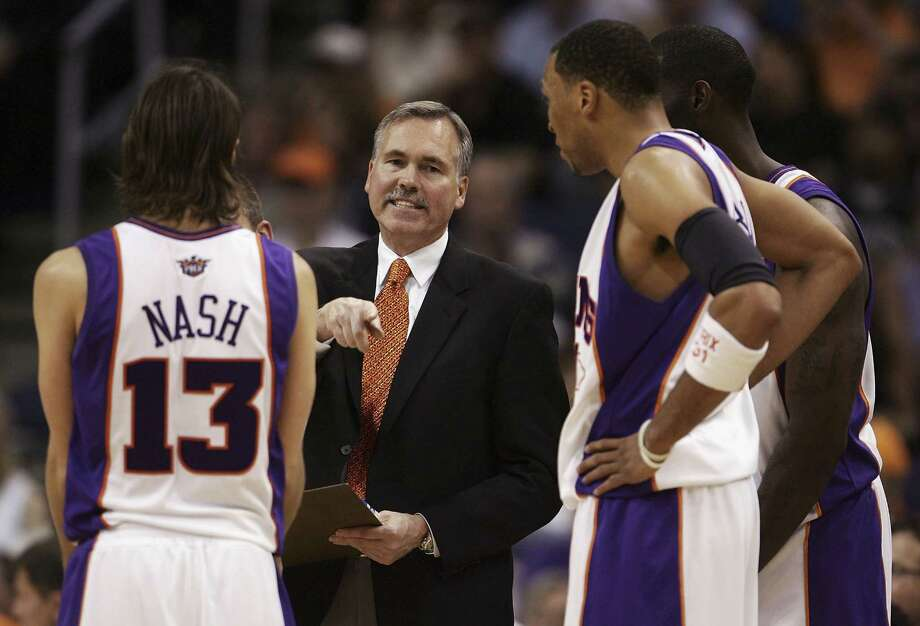 Current Rockets coach Mike D'Antoni isn't unaccustomed to long winning streaks after fashioning a 17-game run with the Suns in 2006-07. Photo: Jeff Gross, Staff / 2006 Getty Images