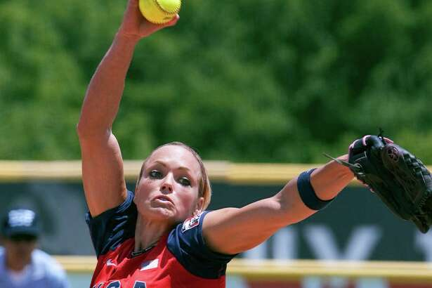 United States' Jennie Finch pitches against Australia in the fourth inning of a World Cup of Softball game in Oklahoma City, Sunday, July 19, 2009. The U.S. beat Australia 8-0 in five innings. (AP Photo/Nati Harnik)