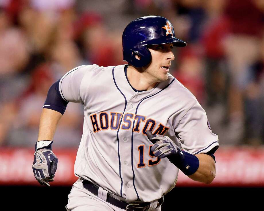 Jason Castro scratched from Astros lineup with bruised hand