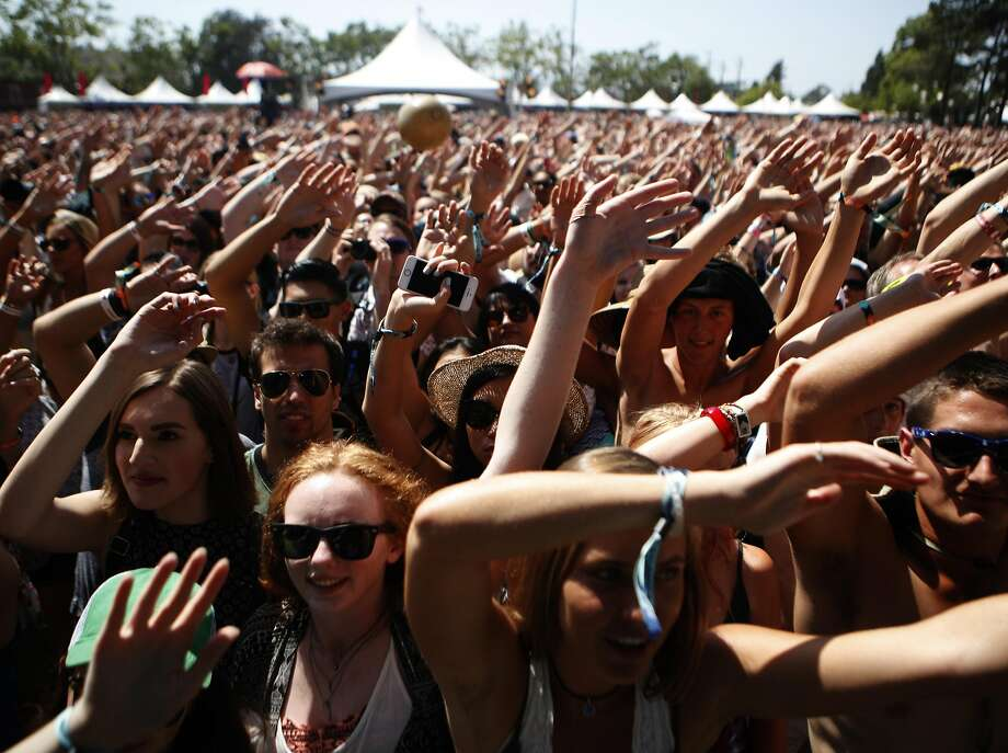 Crowds reacts as the X Ambassadors perform at BottleRock 2016 in Napa, Calif. on Sunday, May 29, 2016. Photo: Michael Noble, The Chronicle