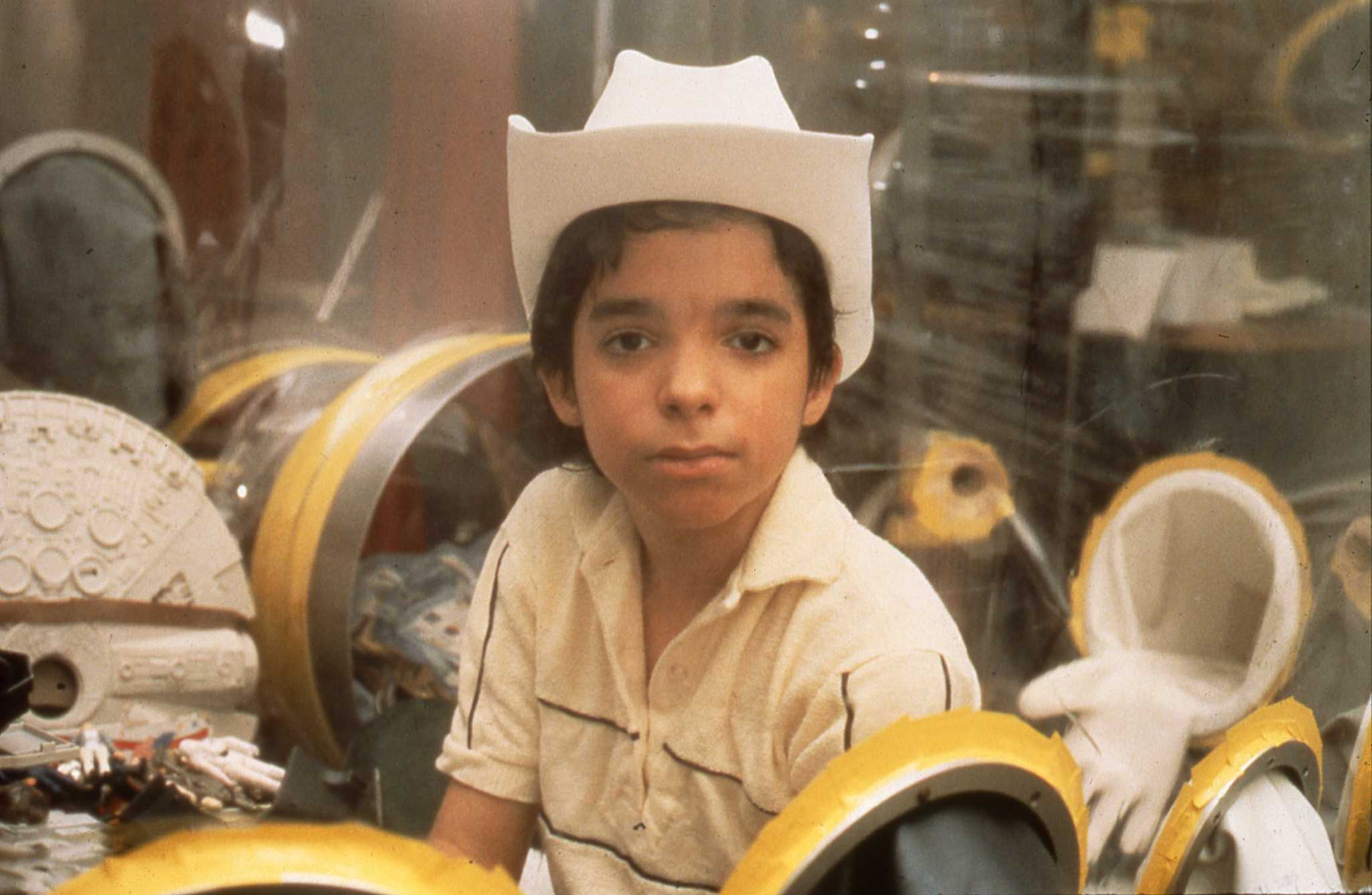 boy in the bubble Nicknamed bubble boy, david was born in 1971 with severe combined immunodeficiency (scid), and was forced to live in a specially constructed sterile plastic bubble from birth until he died at.