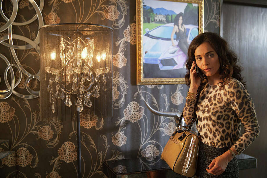 It would be a coup for San Antonio to land season two of hit USA Network series, 'Queen of the South,' starring Alice Braga as an ascending drug lord. Photo: USA Network, Benedicte Desrus/USA Network / 2015 USA Network Media, LLC