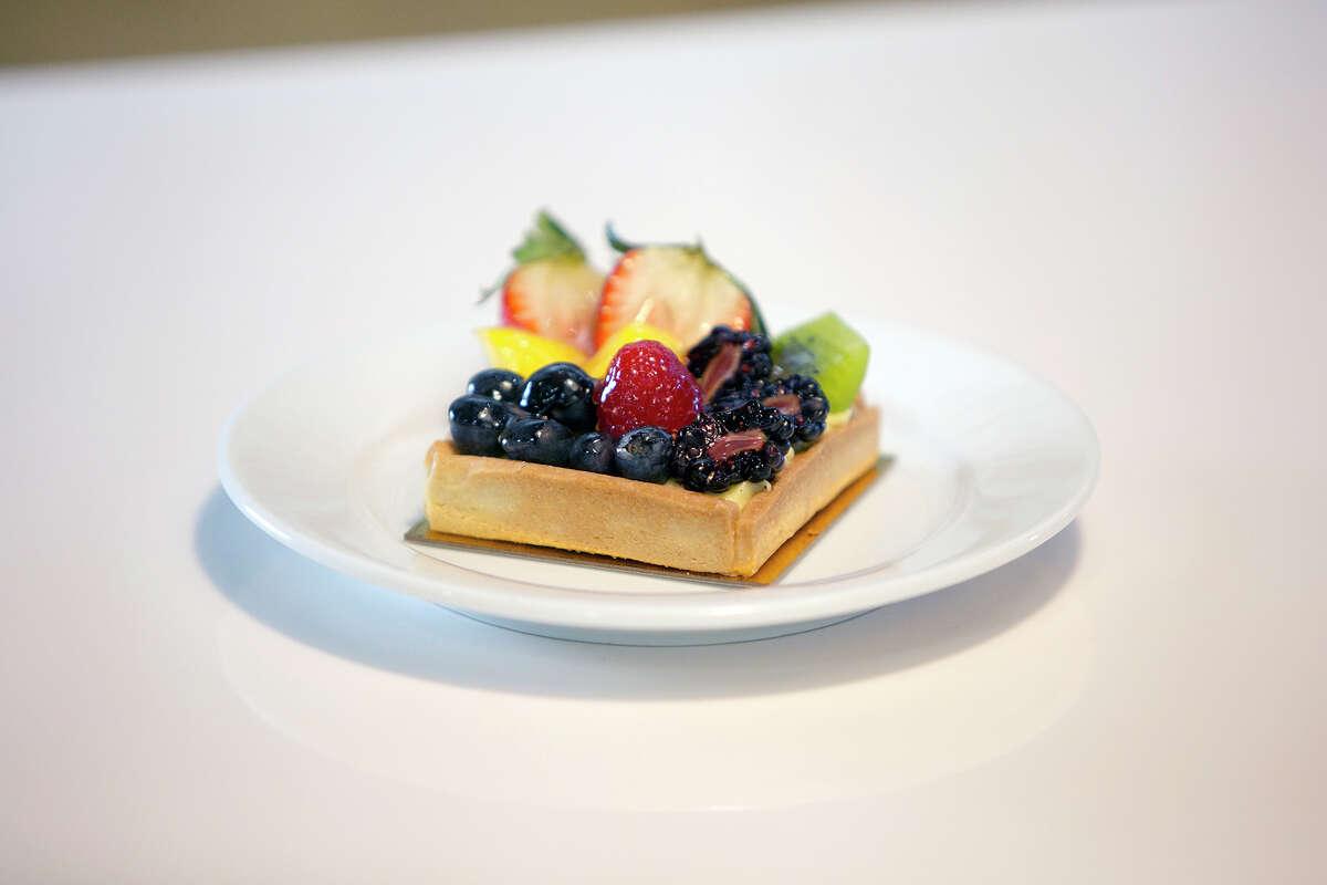 A mixed fruit tart at Flo Paris