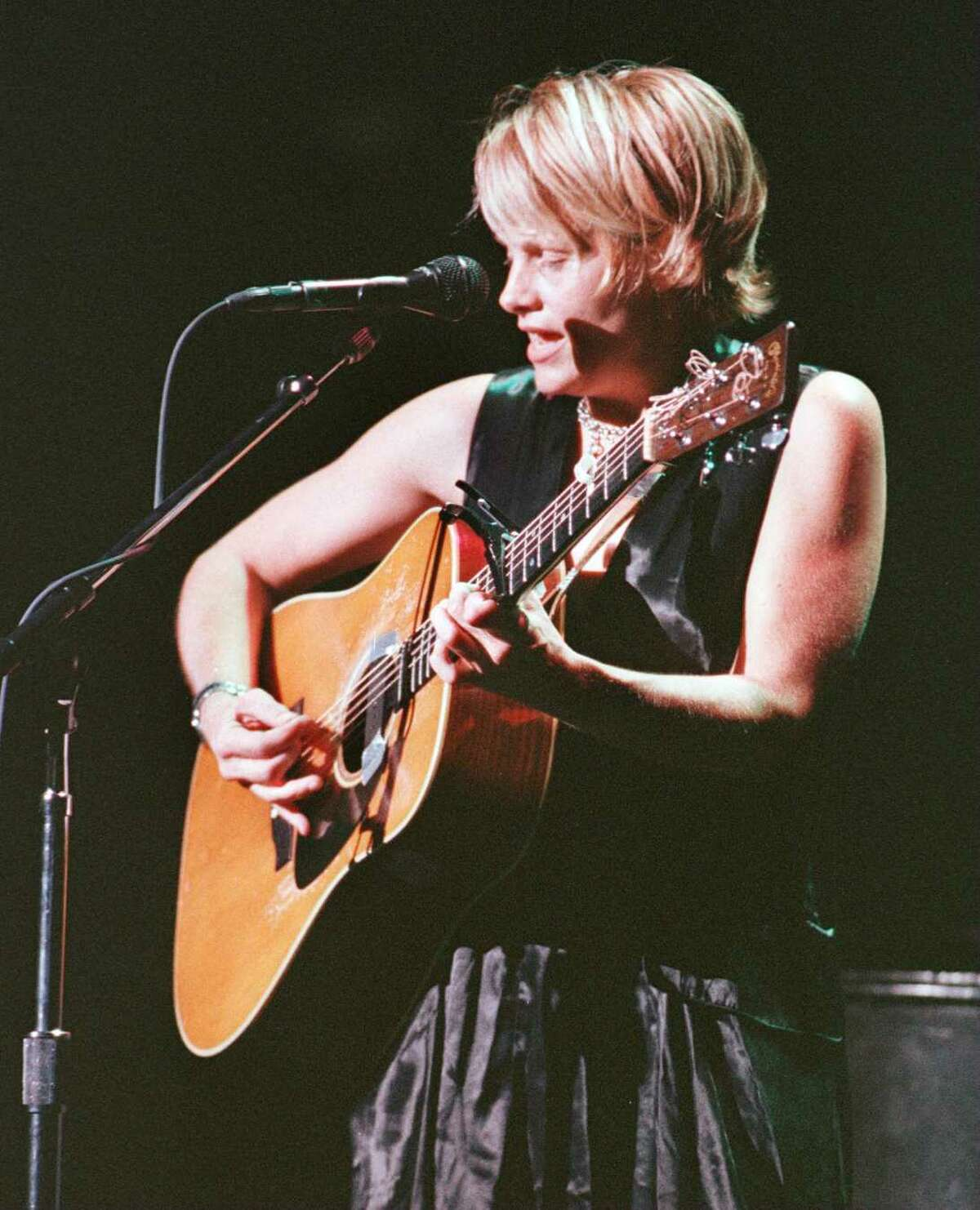 Shawn Colvin performs at SPAC, August 4, 1996.