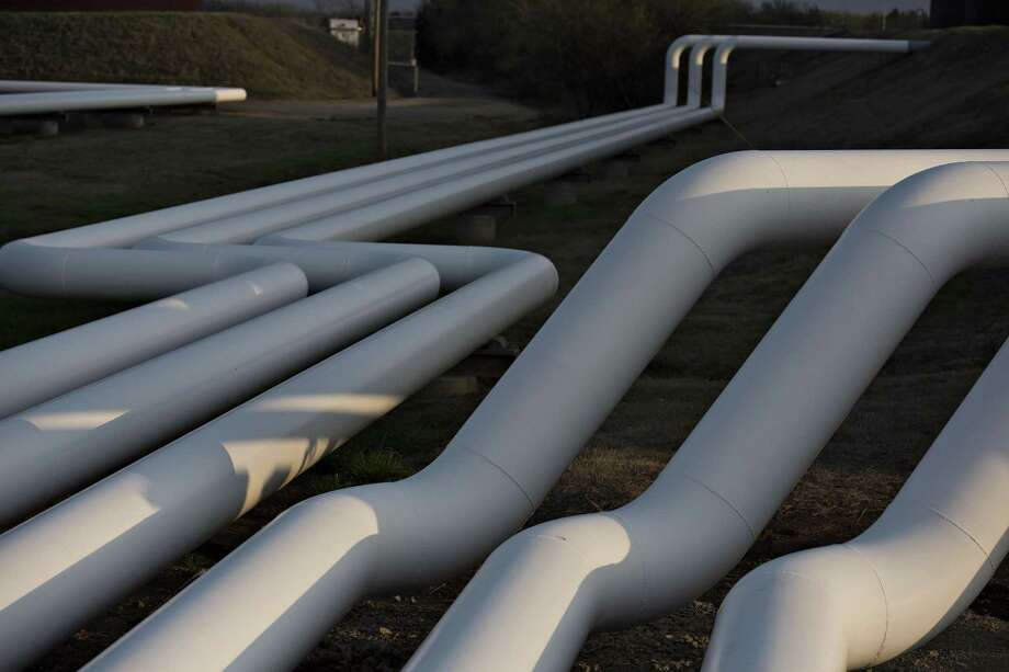 U.S. crude supplies climbed 4.95 million barrels to the highest in weekly Energy Information Administration data going back to 1982. Stockpiles at Cushing, Oklahoma, the delivery point for WTI and the nation's biggest oil storage hub, rose 1.42 million barrels. Photo: Bloomberg News /File Photo / © 2015 Bloomberg Finance LP