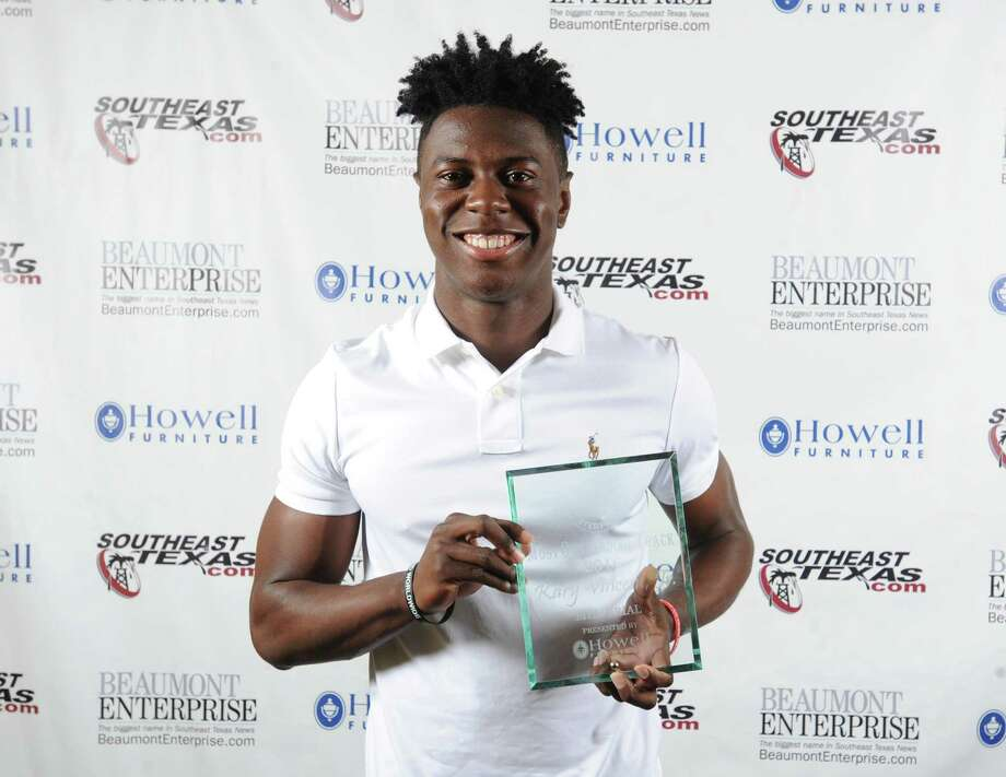 Memorial's Kary Vincent Jr., 2016 Beaumont Enterprise Super Gold Boys Track MVP, presented by Howell Furniture. | Guiseppe Barranco/The Enterprise Photo: Guiseppe Barranco, Photo Editor