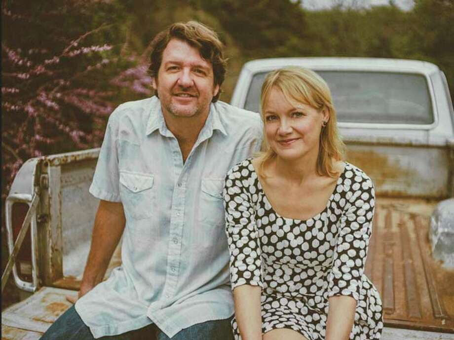 Bruce Robison and Kelly Willis will perform June 9 at Alvin Community College.Bruce Robison and Kelly Willis will perform June 9 at Alvin Community College.