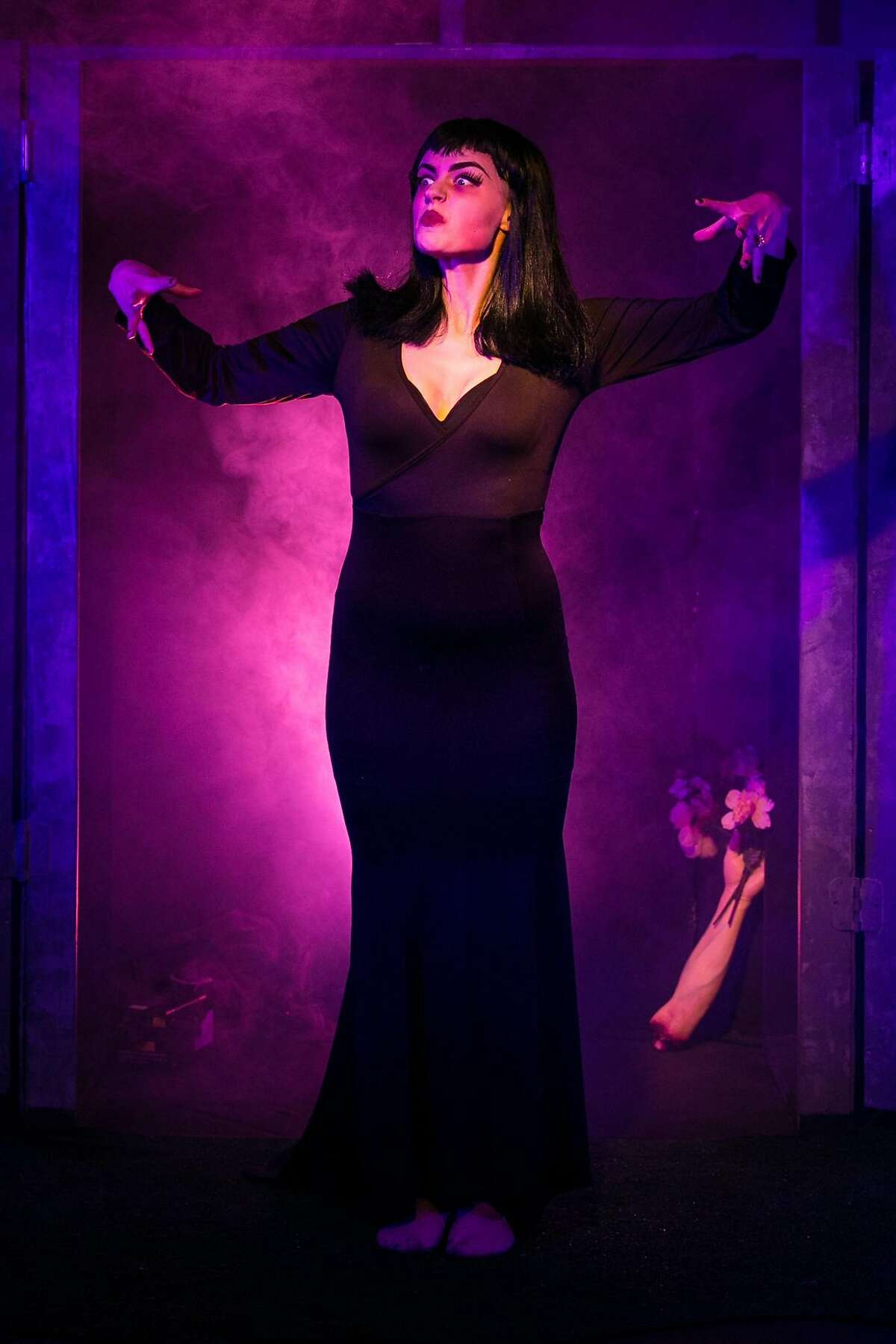 Vampira (Sarah Coykendall) is a zombie reanimated by aliens in anattempt to destroy humanity.