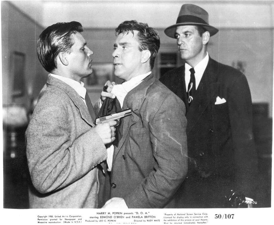 "Edmond O'Brien, center, in ""D.O.A."" (1950) Photo: United Artists"