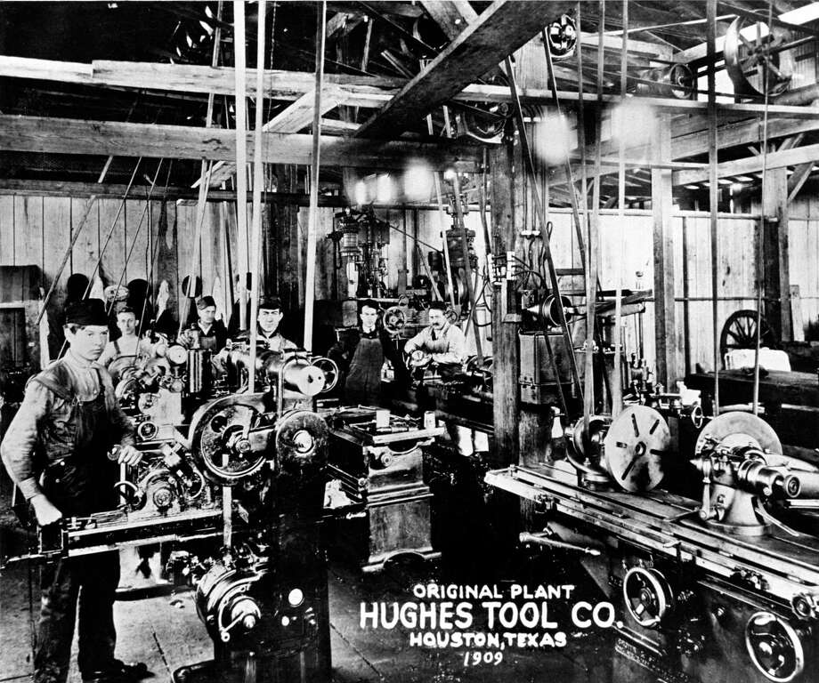 1909 - Hughes Tool Company, interior of the first Hughes Plant / handout