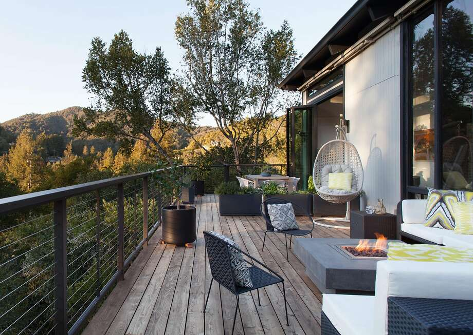 The deck of designer Elena Calabrese's Mill Valley home has views of Mount Tamalpaias. Photo: Suzanna Scott Photography