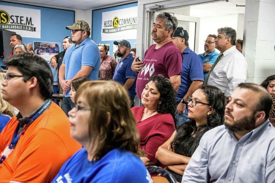 Members of the community listen during a Harlandale ISD board of trustees meeting where they discussed the procedure for renaming schools, but no vote was taken on whether to rename Vestal Elementary after late Tejano star Emilio Navaira, in San Antonio, Texas on Wednesday, June 1, 2016. Photo: Matthew Busch, For The San Antonio Express-News / © Matthew Busch