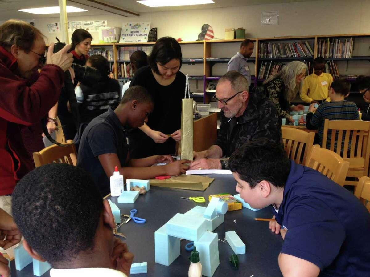 Thom Mayne, an award-winning Los Angeles-based architect, is a Turnaround Artist working with children from Hall School in Bridgeport, CT as part of the HMA Peer Docent Program.