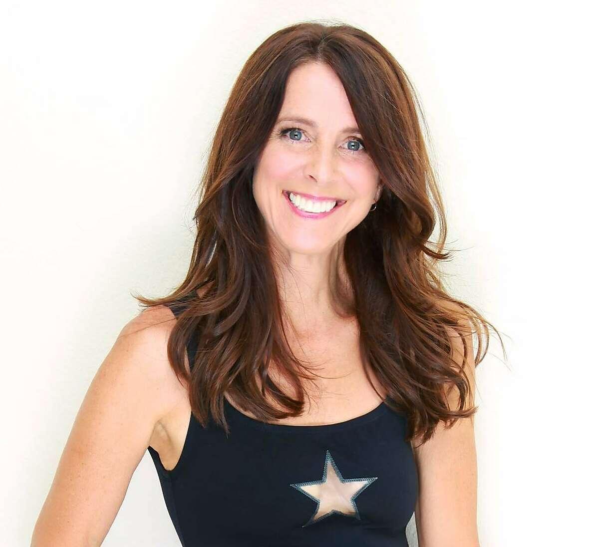 Martha Quinn, MTV queen, will host an '80s show on KOSF