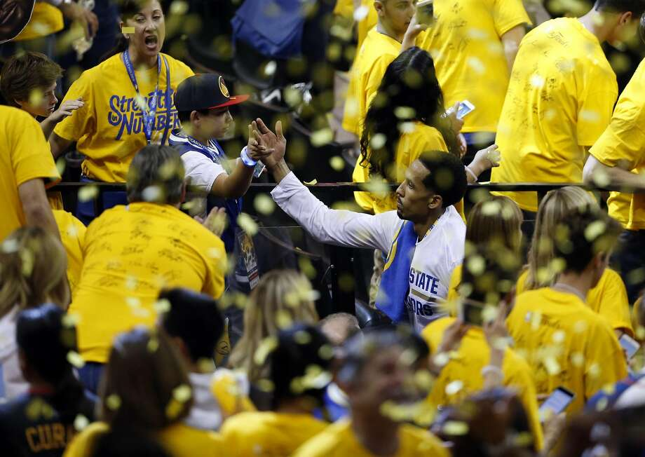 Golden State Warriors' Shaun Livingston leaves the court after Warriors' 104-89 win over Cleveland Cavaliers in Game 1 of NBA Finals at Oracle Arena in Oakland, Calif., on Thursday, June 2, 2016. Photo: Scott Strazzante, The Chronicle