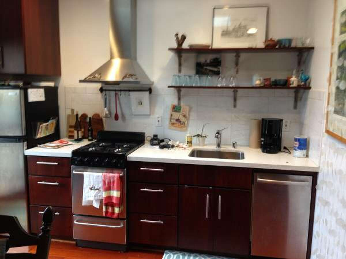 HERE'S WHAT $2,000 A MONTH RENTS YOU IN FIVE AMERICAN CITIES SAN FRANCISCO This studio