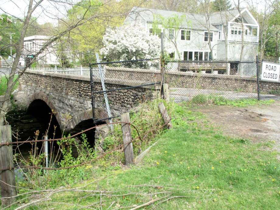 The Old Tokeneke Bridge on the Darien-Norwalk line has been closed to traffic for several years, due to safety concerns. Photo: Maggie Gordon / Darien News