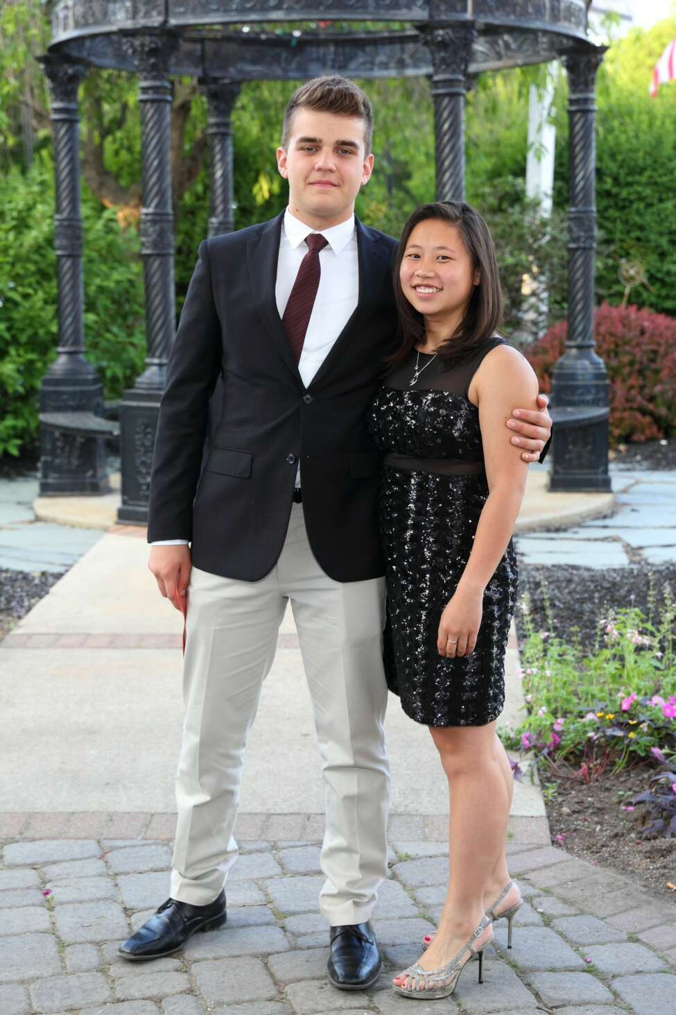 Were you Seen at the Niskayuna High School Senior Gala at the Glen Sanders Mansion in Scotia on Friday, June 3, 2016?