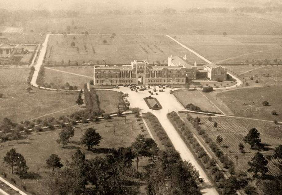 The Administration Building at Rice Institute was built in an empty field outside of Houston's existing city limits. The building is now known as Lovett Hall and still serves as an administrative building. / handout