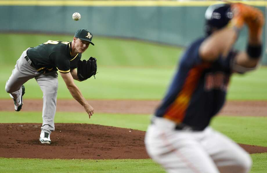 Sonny Gray (left) struck out five in five innings and the A's were leading 5-1, but Houston rallied to complete a three-game sweep. Photo: Eric Christian Smith, Associated Press
