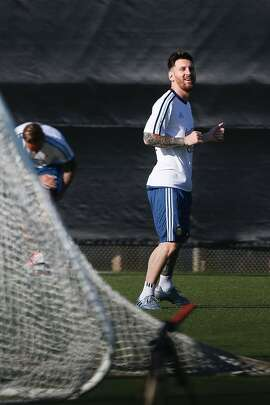 Lionel Messi practices during a training session of Argentina's National football team at San Jose State University in preparation for the Copa America 2016 on June 3, 2016 in San Jose, California. / AFP PHOTO / Tony AvelarTONY AVELAR/AFP/Getty Images