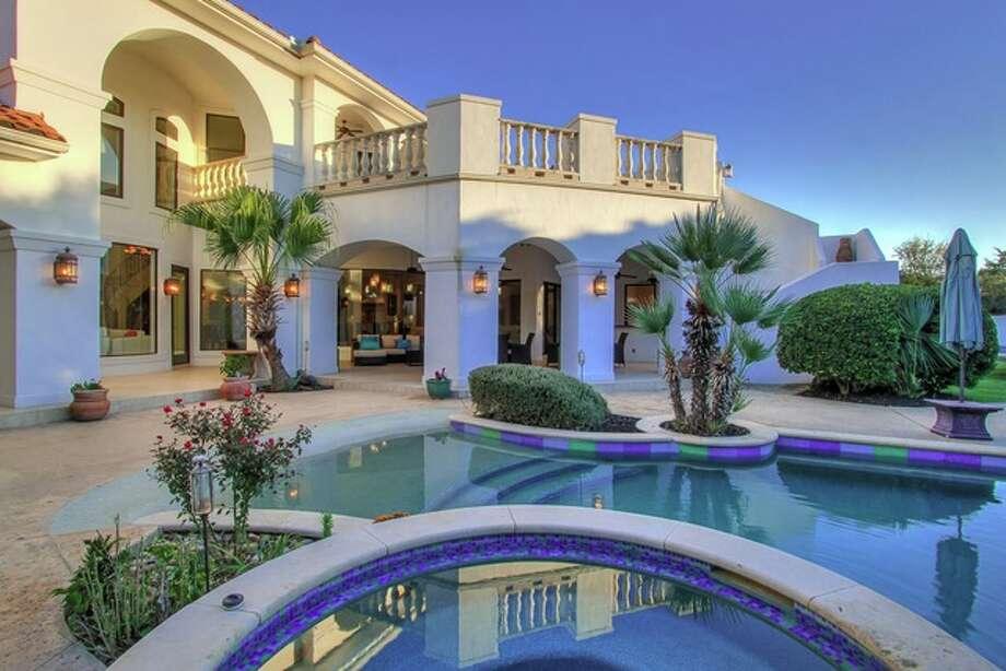 Shavano ParkMedian household income: $175,750Households with incomes of $150,00 or more: 56.1%Median house value (50th percentile): $568,700 Photo: Lauren Keller Via Jason Glast Luxury Real Estate