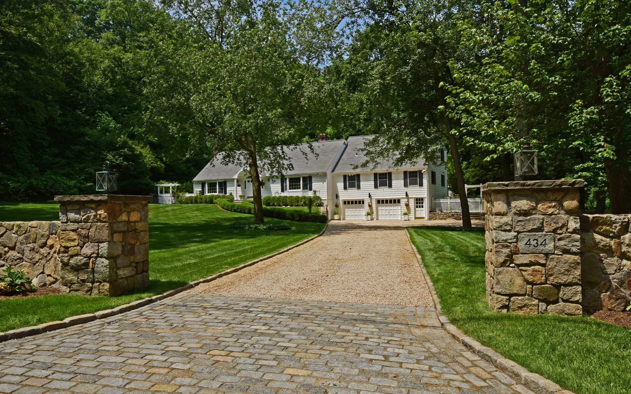 A Charming Expanded Cape In New Canaan San Antonio