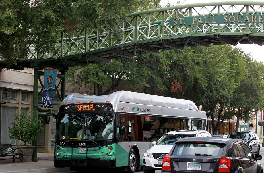 VIA Metropolitan Transit is severely underfunded. Why is is it so hard for the city to decide to help? Photo: JOHN DAVENPORT /SAN ANTONIO EXPRESS-NEWS / ©San Antonio Express-News