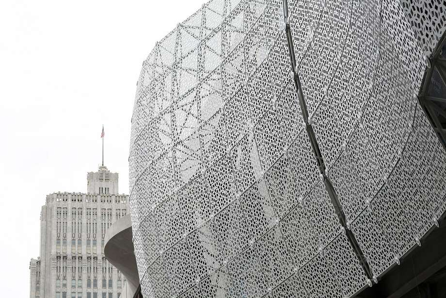 A screen on the outside of the Transbay Transit Center. Photo: Laura Morton, Special To The Chronicle