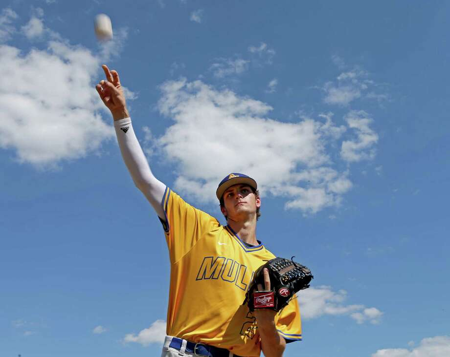 Alamo Heights' Forrest Whitley is expected to be a high pick in the Major League Baseball draft, which starts Thursday. Photo: Edward A. Ornelas / San Antonio Express-News / © 2016 San Antonio Express-News