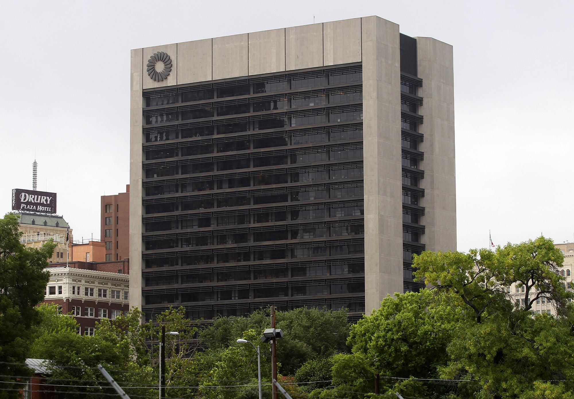 City Starts Process To Buy Frost Bank Headquarters San
