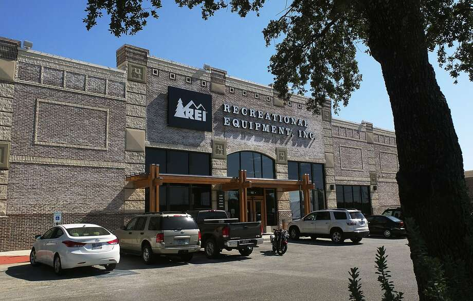 REI: Employees are encouraged to challenge themselves with outdoor activities. They get discounts on trips from the company's in-house travel company, REI Adventures. Photo: Kin Man Hui, San Antonio Express-News