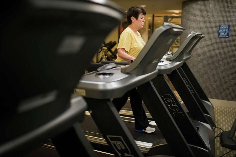 Doctors often recommend nondrug options such as exercise to try to control pain in older adults. Photo: JOSHUA BRIGHT, STR / NYTNS