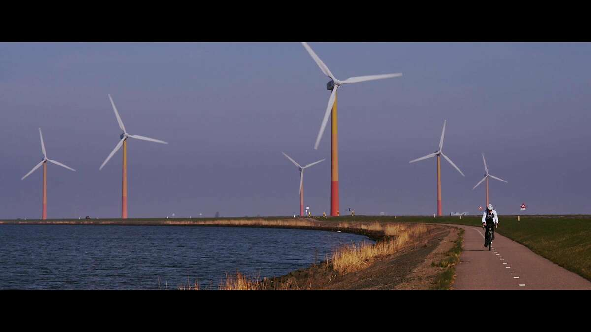The documentary �Time to Choose� argues that emerging technology like wind power gives us time to intervene in the climate change crisis.