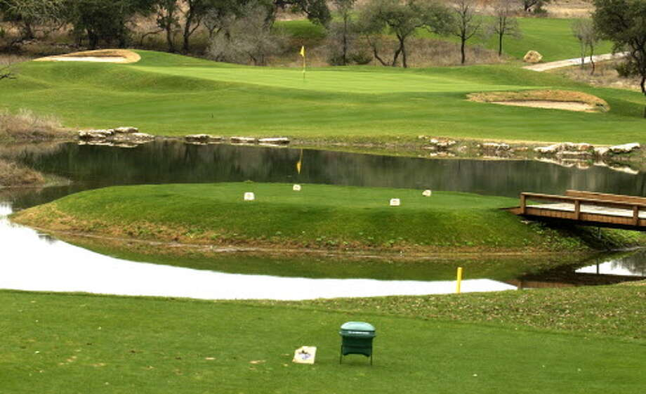 The front tee on the 15th hole at the River Crossing Golf Club golf course. Photo: SAN ANTONIO EXPRESS-NEWS