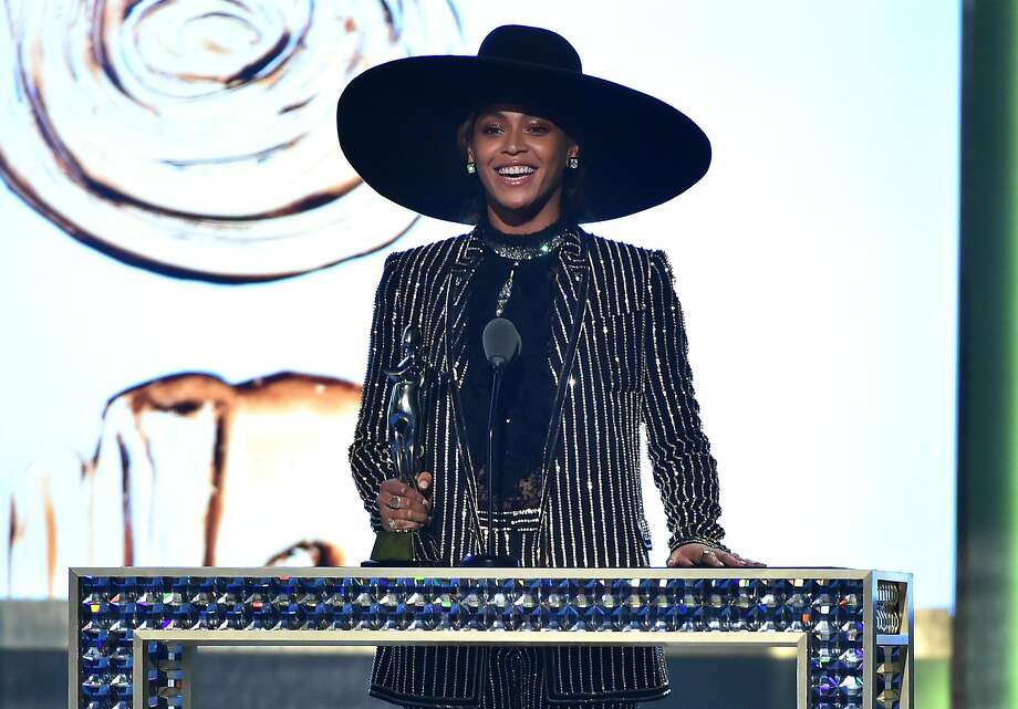 Beyonce accepts The CDFA Fashion Icon Award onstage at the 2016 CFDA Fashion Awards at the Hammerstein Ballroom. Photo: Theo Wargo, Getty Images
