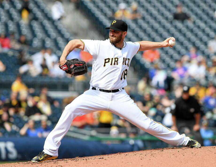 PITTSBURGH, PA - JUNE 07:  Jonathon Niese #18 of the Pittsburgh Pirates delivers a pitch in the second inning during the game against the New York Mets at PNC Park on June 7, 2016 in Pittsburgh, Pennsylvania. (Photo by Justin Berl/Getty Images) ORG XMIT: 607679123 Photo: Justin Berl / 2016 Getty Images