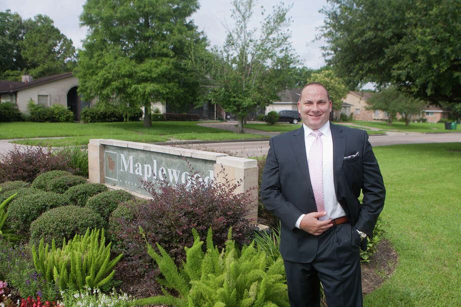 Mark Levin, a real estate broker with Keller-Willams, handles homes in the Maplewood subdivision around Brays Bayou.  Levin says Maplewood, developed during the 1950s, is becoming popular with first-time home buyers. Photo: R. Clayton McKee, Freelance / © R. Clayton McKee