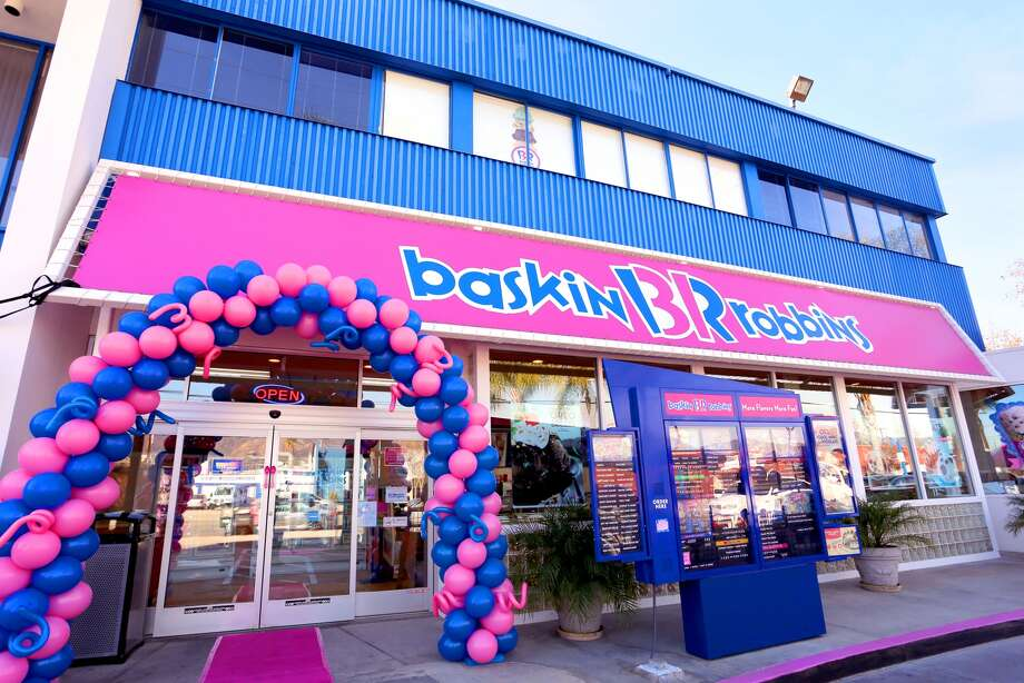 Baskin Robbins is offering $1.50 scoops on Monday, July 31. Photo: Rachel Murray, Getty Images, Baskin-Robbins