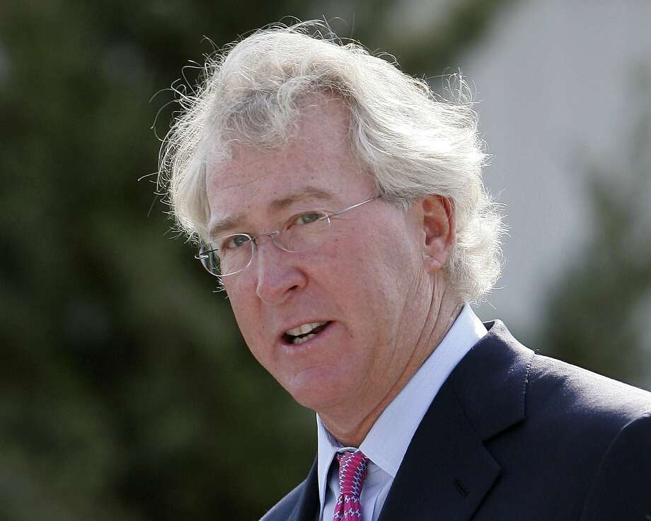 FILE - In a Sept. 8, 2009, file photo, Chesapeake Energy Corp. CEO Aubrey McClendon speaks during the opening of a compressed natural gas filling station in Oklahoma City. Oklahoma City police are to release a report on the crash that killed energy executive McClendon. (AP Photo/File) Photo: Uncredited, AP