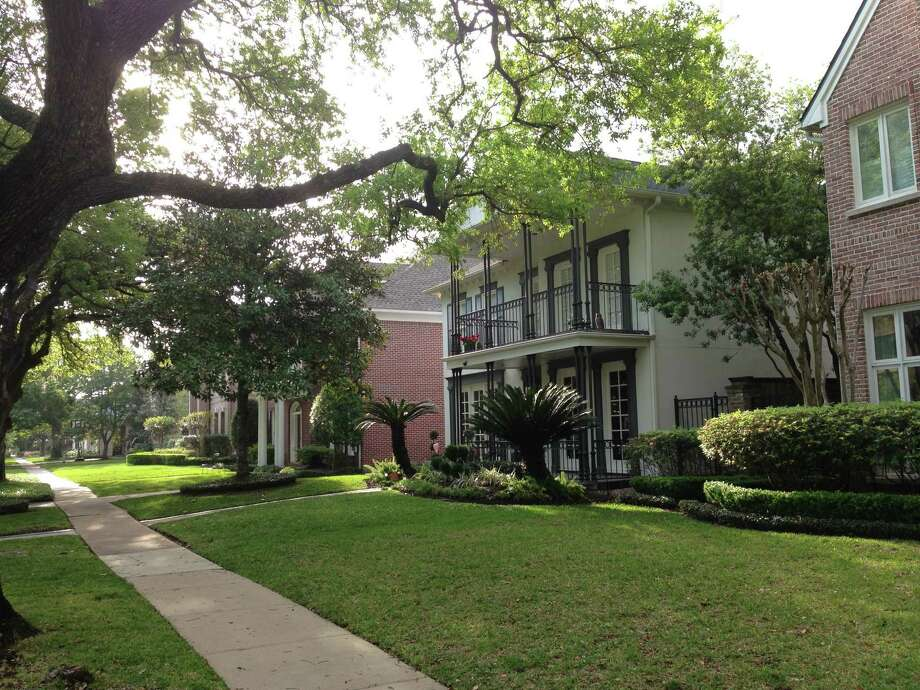 Houses on Tangley street in West University in 77005, the highest priced ZIP code in Texas. Photo: Katherine Feser