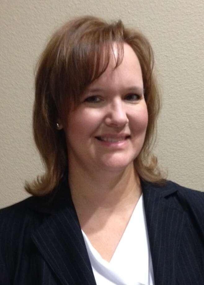 Alena McClanahan moves from assistant principal to principal at Lakeview Elementary School.