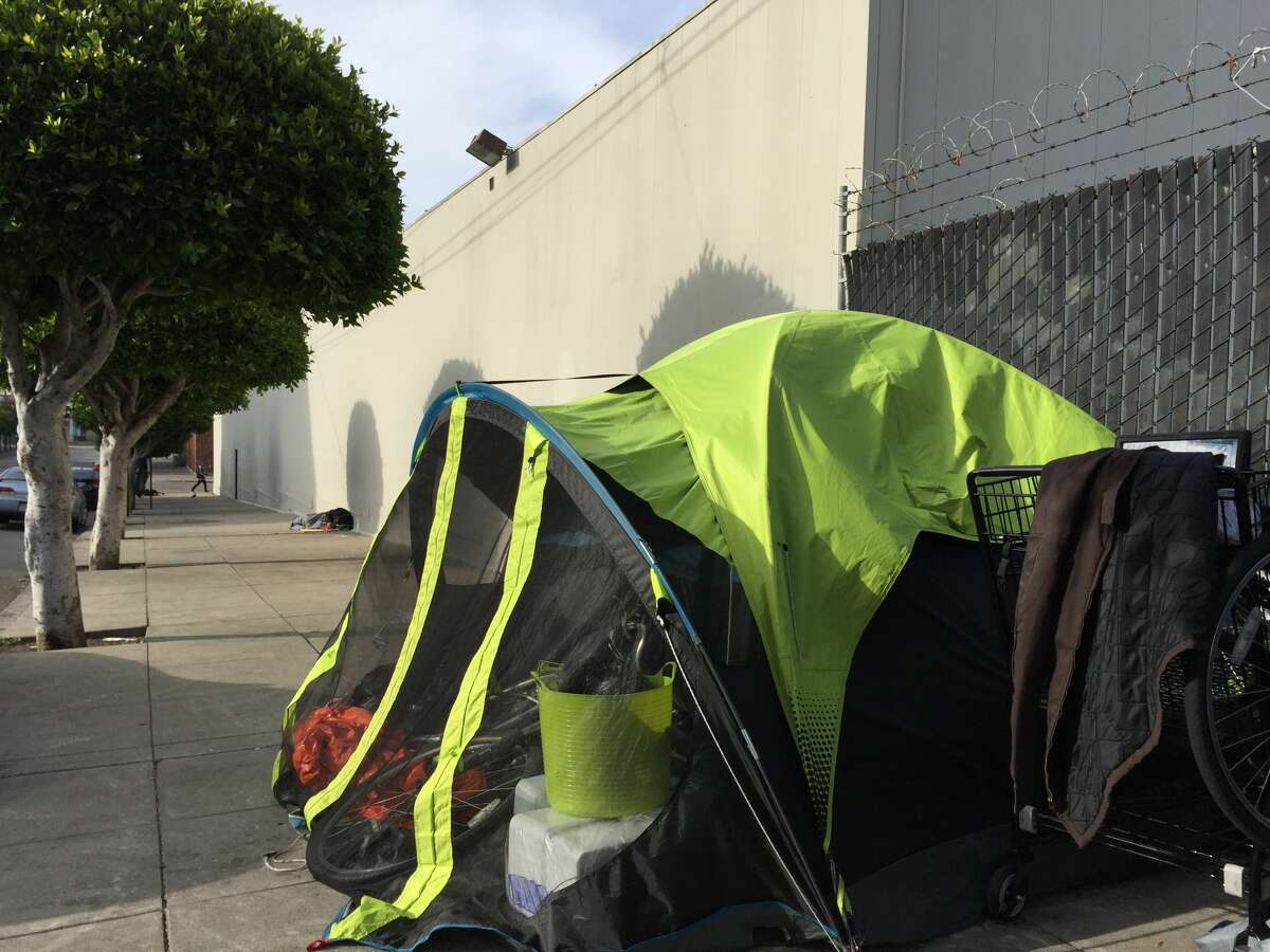 A tent and other items stayed close to the south side of the building, clear of any of the protruding sprinklers from the roof of Bonhams Auction House.