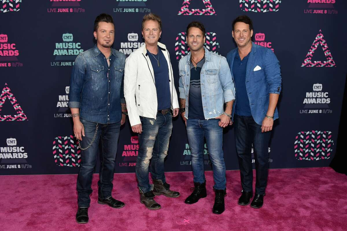 Worst use of denim: Parmalee The denim shirt on the left doesn't even fit properly. We can see the buttons straining against what we're sure are giant pecs.