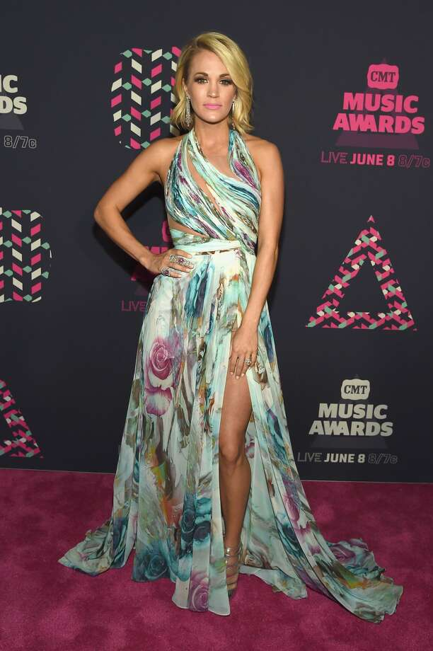 Best: Carrie Underwood Carrie wins the night in this sexy, flowy gown. Photo: Getty Images