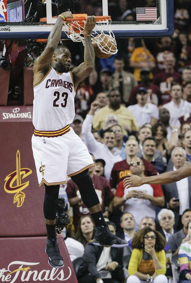 Cleveland Cavaliers' LeBron James dunks in the second quarter during Game 3 of the NBA Finals at The Quicken Loans Arena on Wednesday, June 8, 2016 in Cleveland, Ohio. Photo: Carlos Avila Gonzalez, The Chronicle