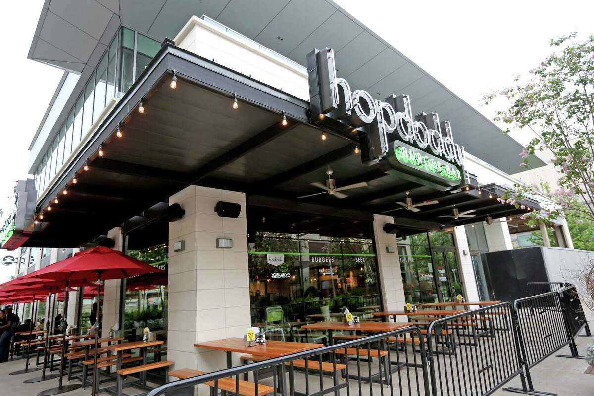 Hopdoddy Burger Bar at River Oaks District, Thursday, May 26, 2016, in Houston. ( Gary Coronado / Houston Chronicle )