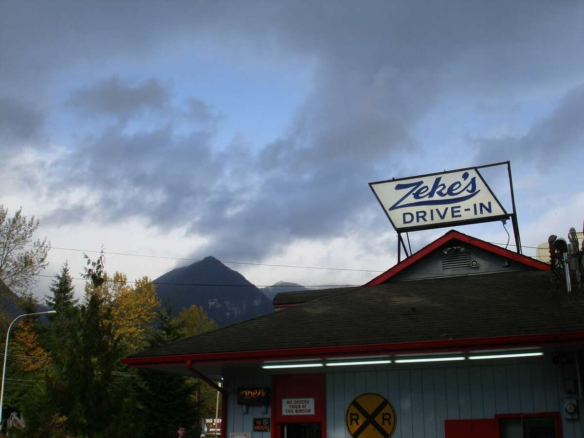 Zeke's Drive-In, Gold Bar