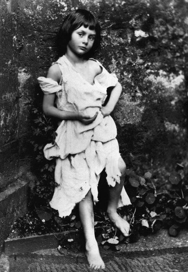 Alice Liddell (public domain photo / by Lewis Carroll)