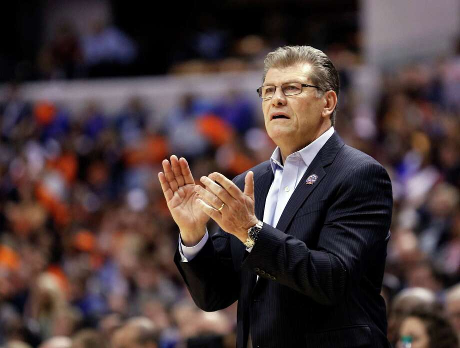 Geno Auriemma will have his USA team at the Webster Bank Arena on July 29. Photo: AJ Mast / AP / FR123854 AP